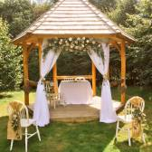 wedding-arbour-for-Anna-and-Stuart-1
