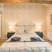 The Linhay at Cosawes Master bedroom
